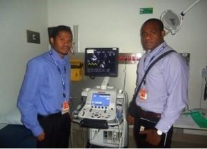 Krond Mond (left) & Simeon Adiunegiya from PNG